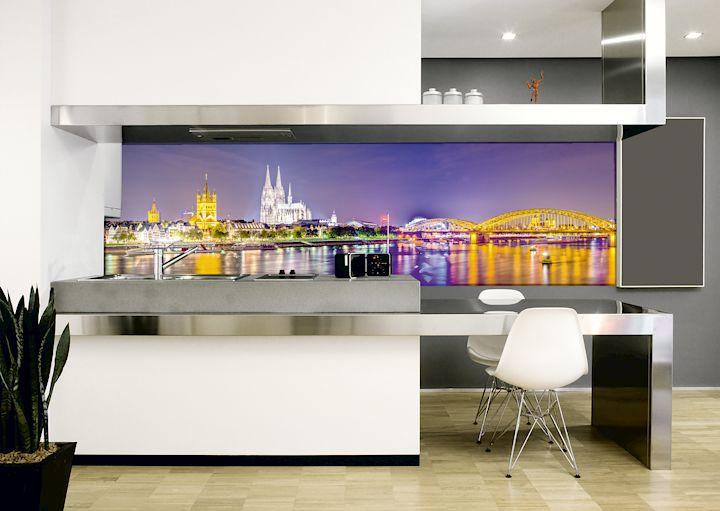 Glasruckwande Beleuchteter Blickfang In Der Kuche Ihr Ratgeber Fur Die Eigenen Vier Wande Homeplaza